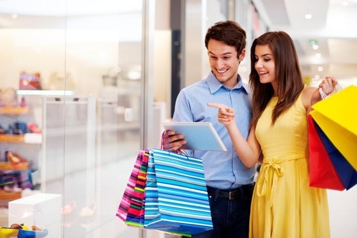 Giấc mơ đi mua đồ cùng người yêu là dấu hiệu bạn sắp nhận được một điều gì đó bất ngờ