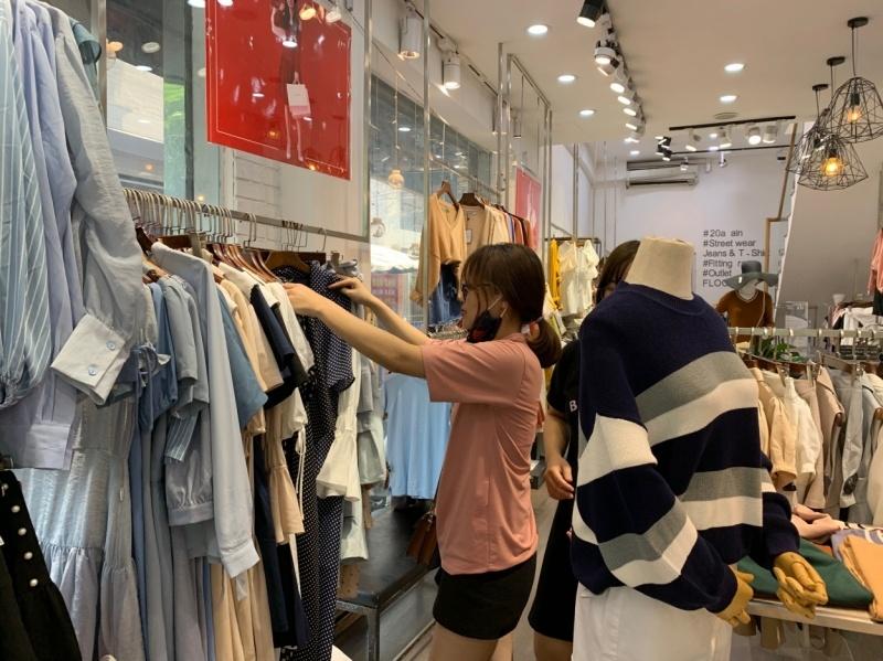 Ngủ mơ thấy đi bán quần áo gặp ca sỹ Tuấn Hưng chốt nhanh cặp lô đề số 75 - 49.